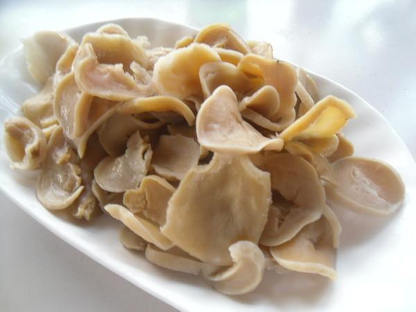 五花肉烧土豆干的家常做法