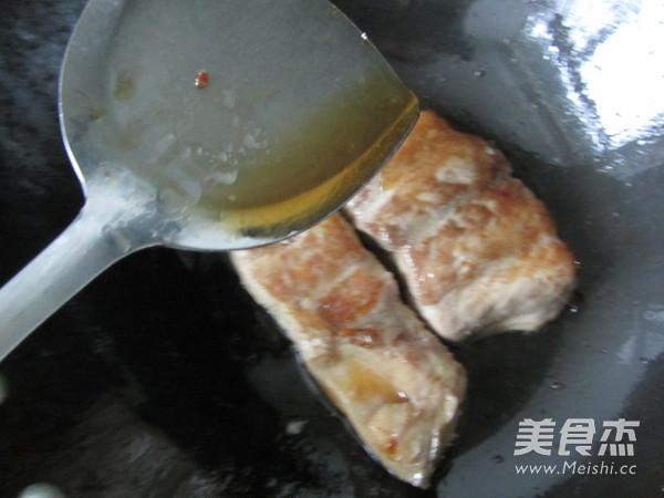 腌白菜烧鱼段怎么炒