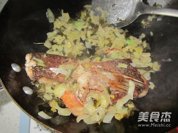 腌白菜烧鱼段怎么炖