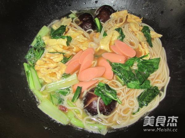 香菇鸡蛋汤面的制作方法