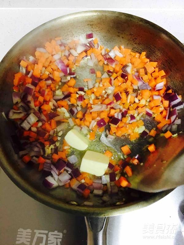 黄油培根蔬菜蛋炒饭的简单做法
