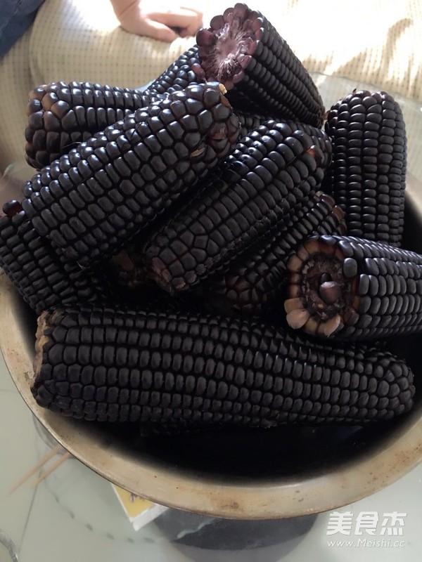 黑糯玉米排骨汤的做法图解