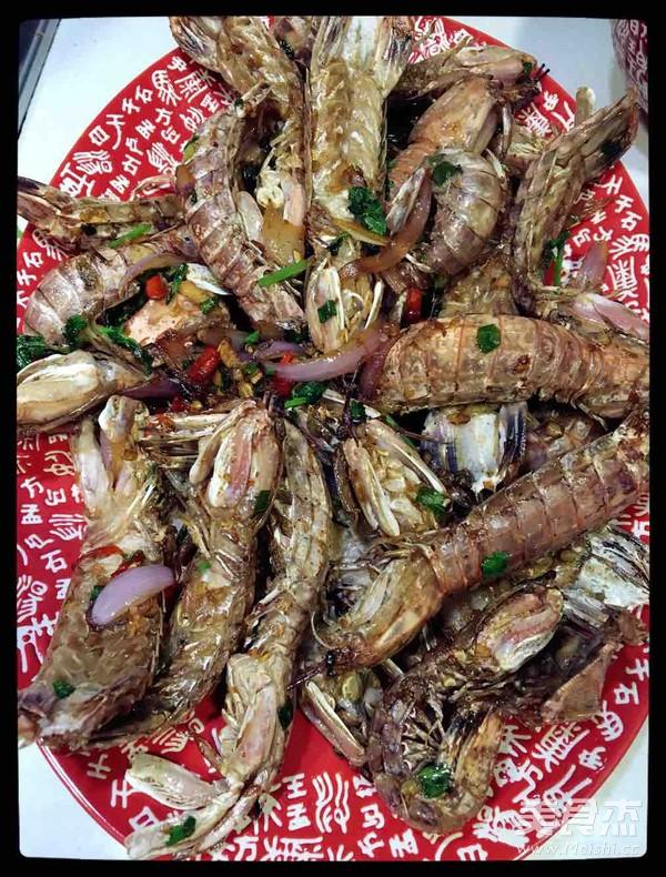 椒盐攋尿虾的步骤