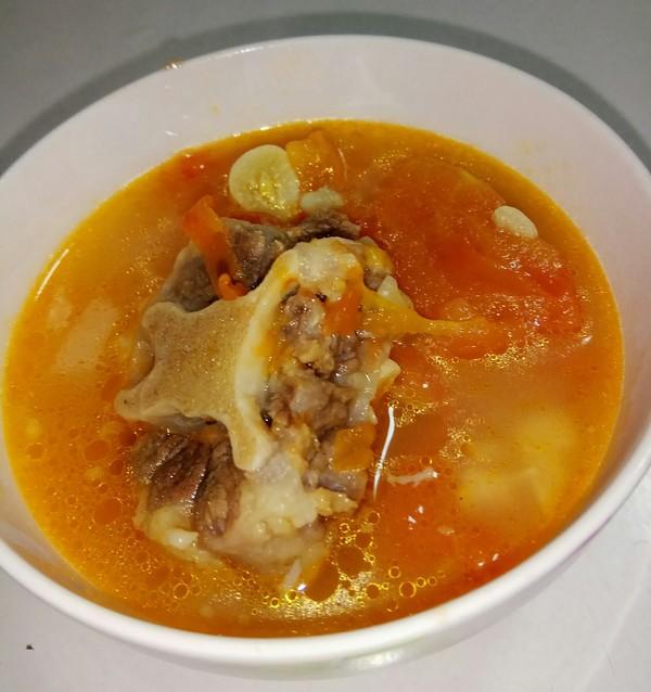 可喝汤又可以当菜~开胃酸甜番茄牛尾汤!的做法大全