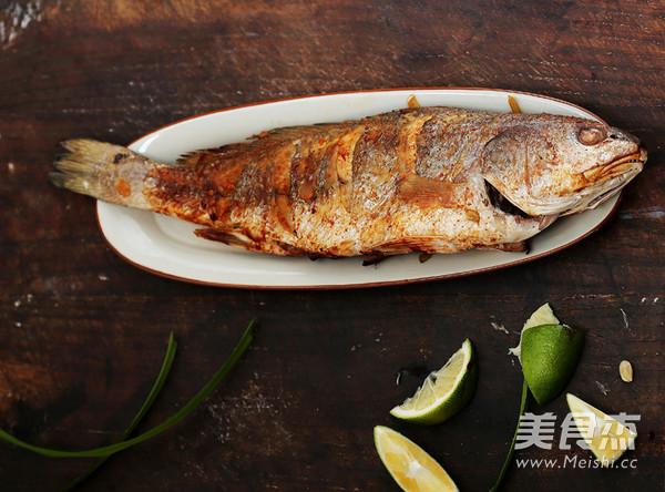 泰式香茅烤鱼成品图