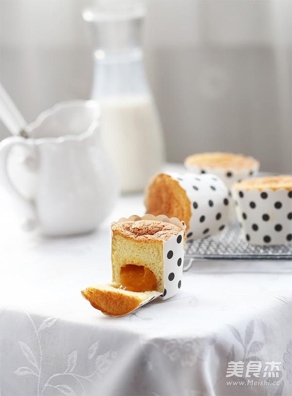 芒果流心蛋糕成品图
