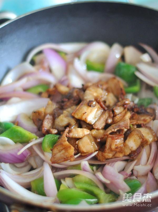 洋葱炒五花肉便当怎么吃