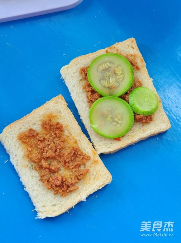 三文鱼罐头三明治怎么吃