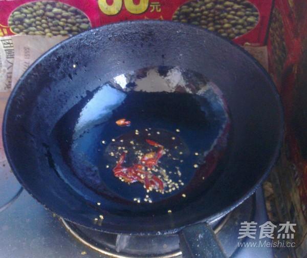 西葫芦炒素肉的家常做法