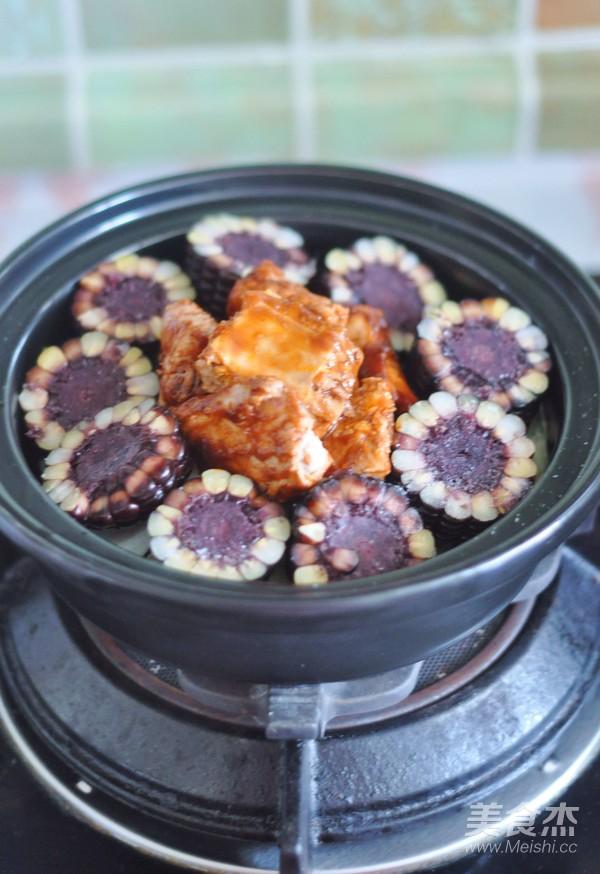 黑玉米排骨锅怎么做