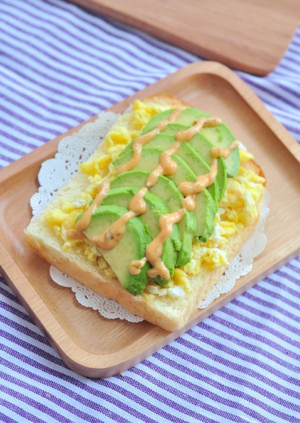 牛油果鸡蛋三明治丘比沙拉汁怎么炖