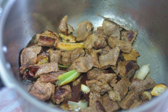 土豆烧牛肉怎么吃