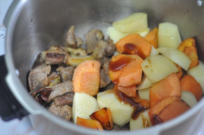 土豆烧牛肉怎么做