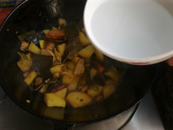 土豆海带炖猪肉怎么煮