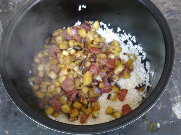 腊肠焖饭怎么炒