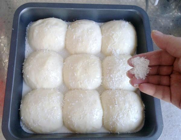泡浆椰蓉面包怎么炒