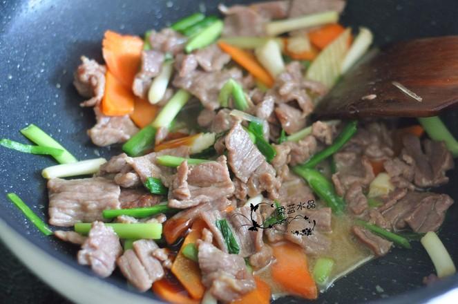蒜苗炒牛肉的简单做法