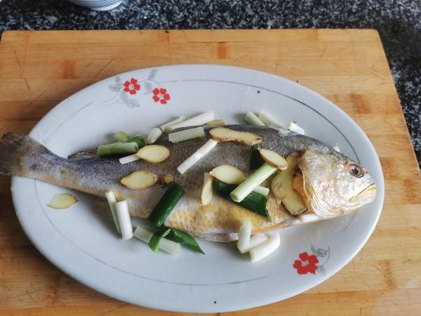 豆豉蒸黄花鱼的家常做法