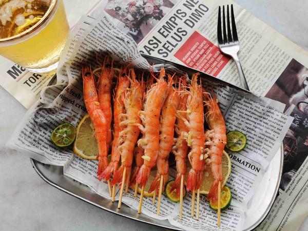 黑椒蒜蓉烤虾的制作