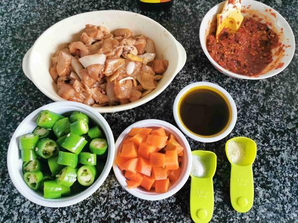辣椒炒鸡块的简单做法