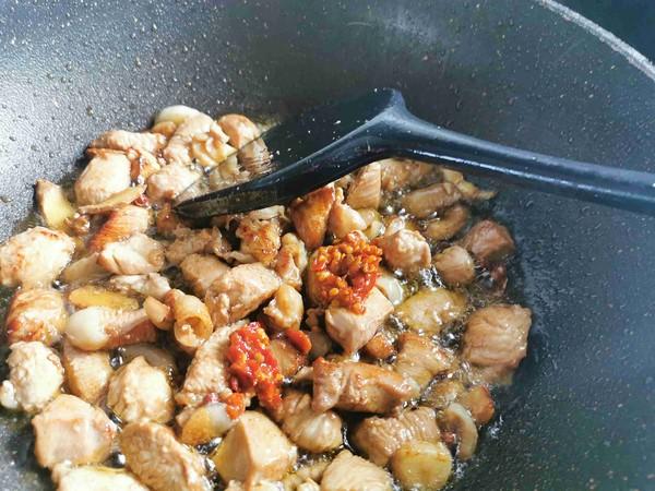 辣椒炒鸡块怎么做