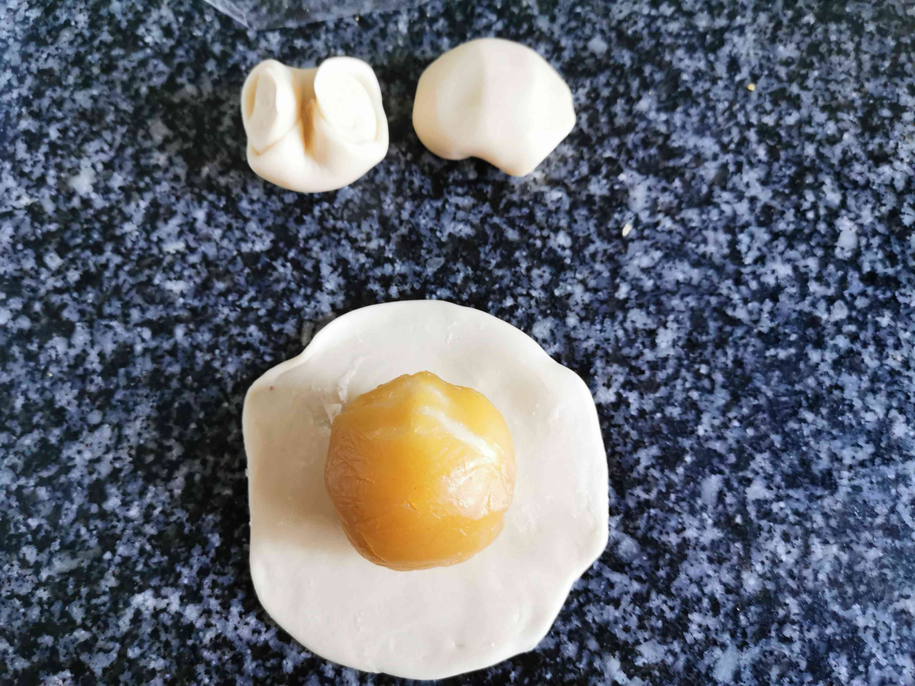 麻薯肉松蛋黄酥的制作方法