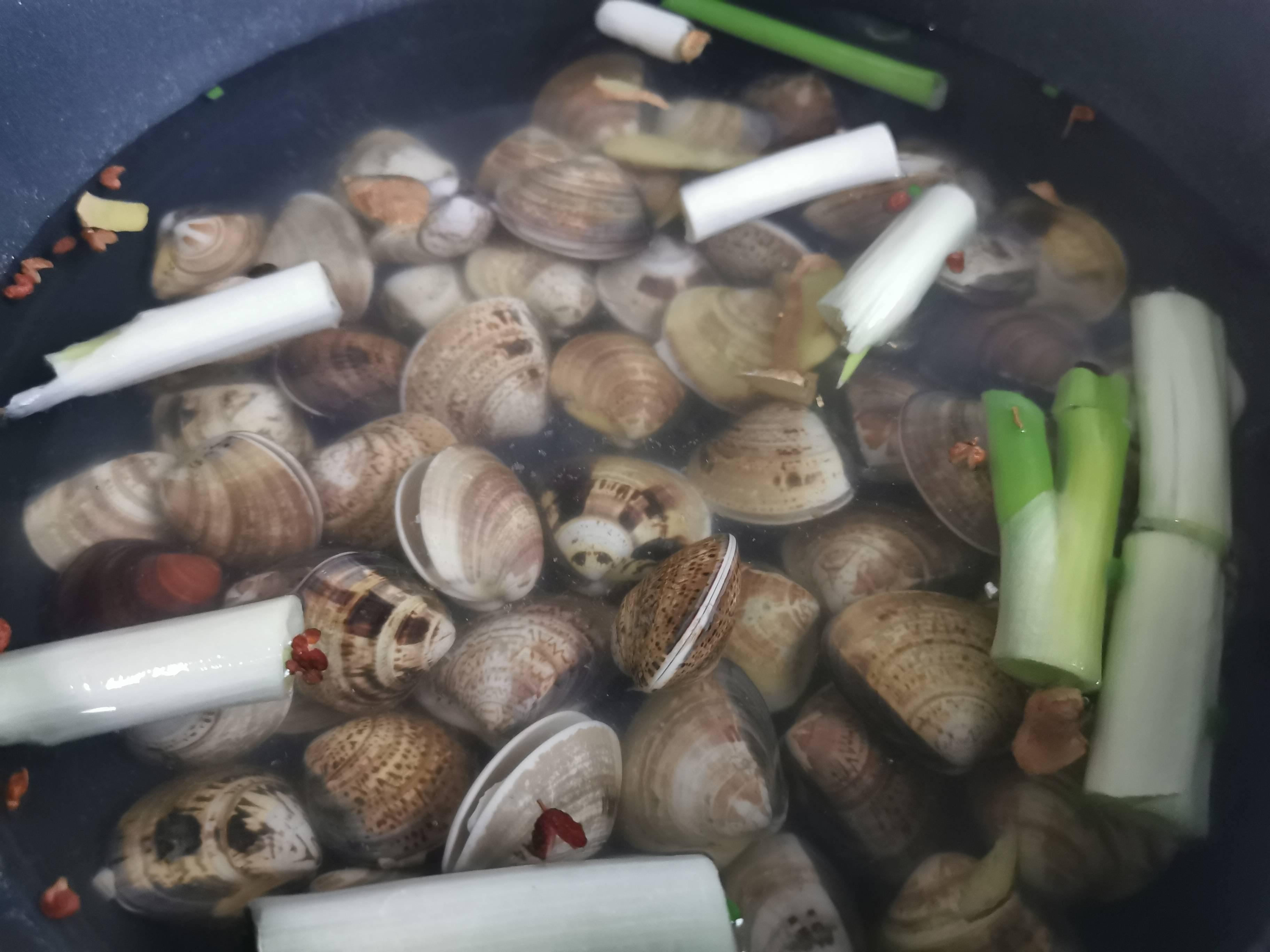 凉拌花蛤的家常做法
