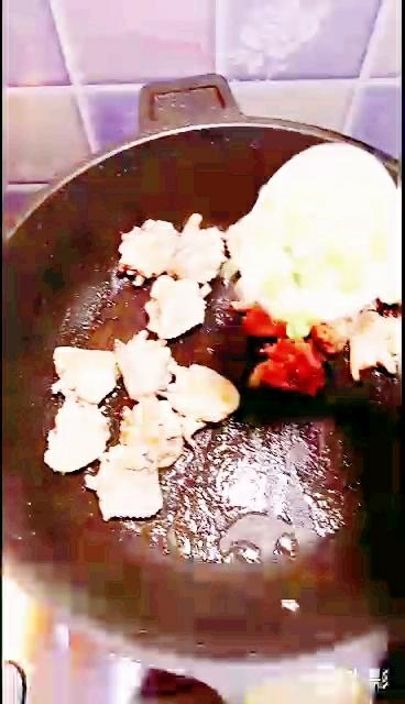 土豆烧鸡翅的简单做法