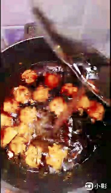 土豆烧鸡翅怎么炖
