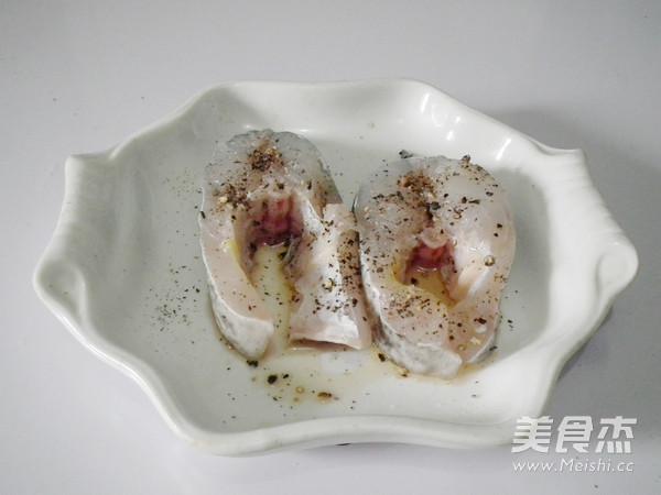 黑胡椒煎澳斑鱼段的简单做法