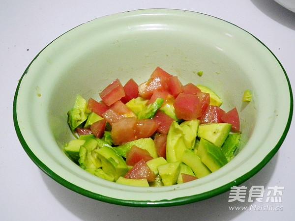 三文鱼牛油果沙拉的步骤