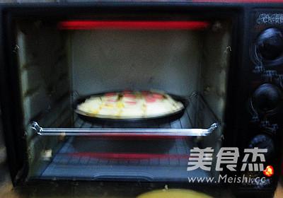 芝心香肠苹果披萨的制作方法
