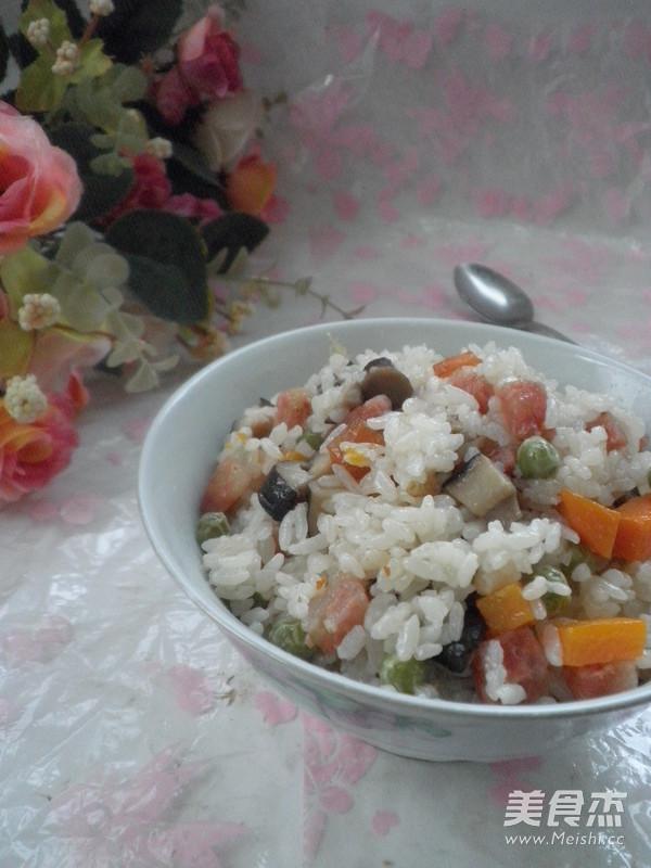 香菇腊肠焖饭成品图