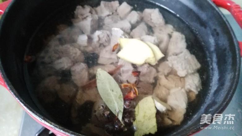 清炖牛肉汤怎么吃