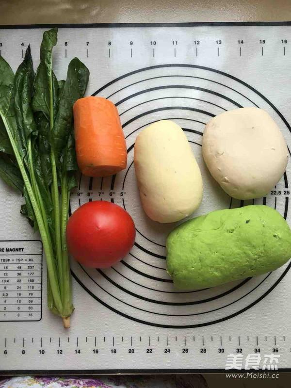 西红柿鸡蛋彩色面条的家常做法