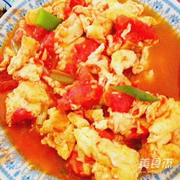 西红柿鸡蛋彩色面条的简单做法