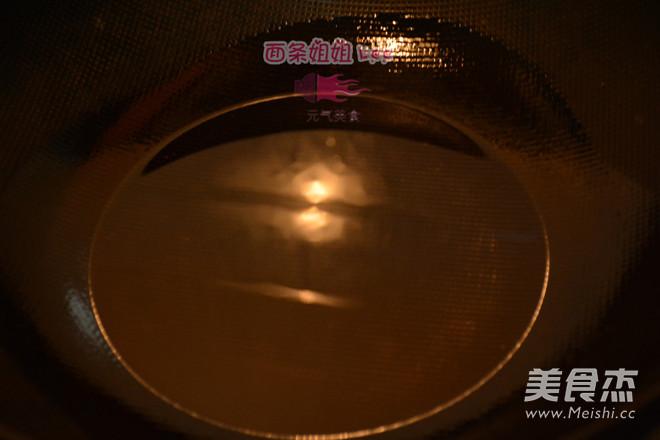 上海炸猪排配辣酱油怎么做