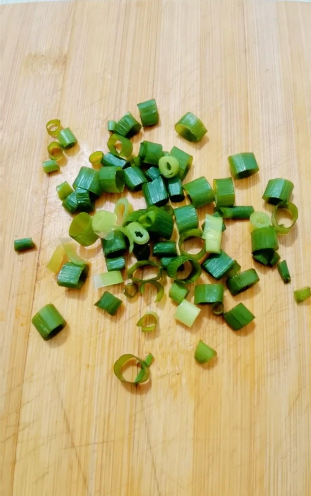 炝拌绿豆芽的简单做法