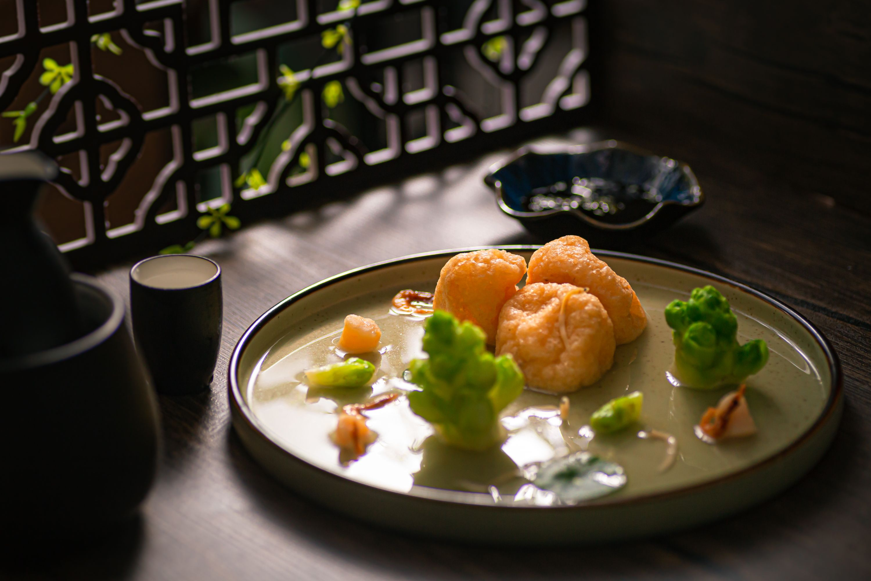 荷塘月色:上汤皱纱鱼腐的做法图解