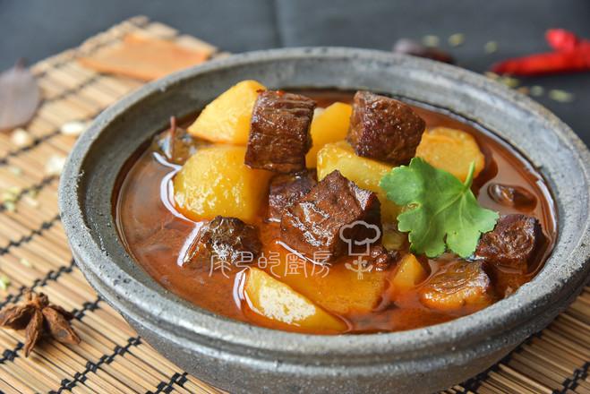 土豆燒牛肉成品圖
