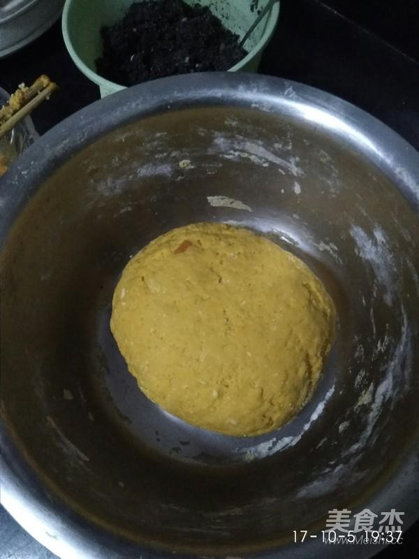 南瓜奶香豆沙包,黑芝麻馅包的家常做法