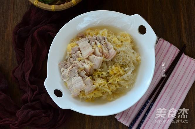酸菜炖白肉成品图