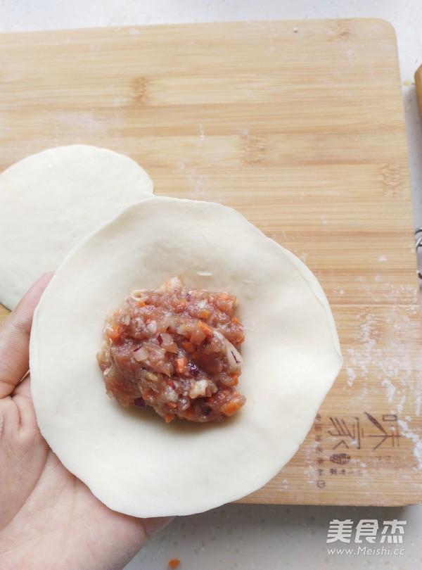 胡萝卜洋葱猪肉馅饼怎么煸