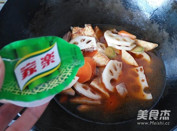 家乐猪肉粉丝时蔬炖菜怎么煮
