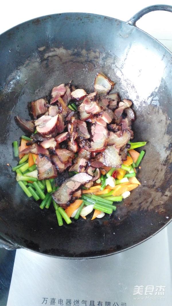 蒜苔炒腊肉怎么煮