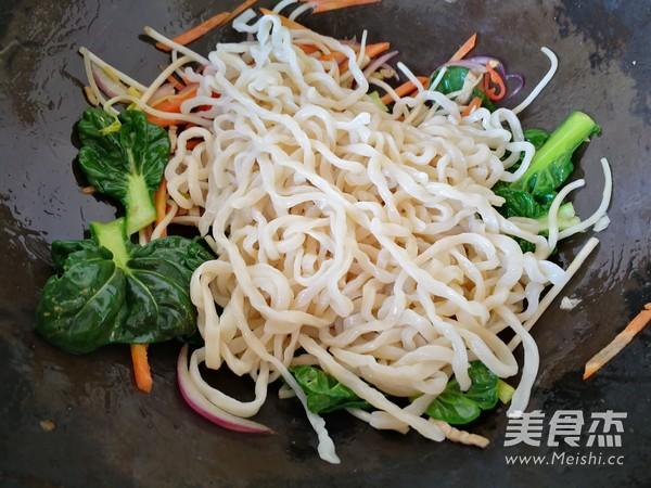 青菜肉丝炒面怎么煮