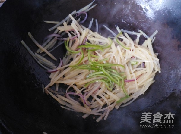 土豆丝菠菜卷饼的做法大全