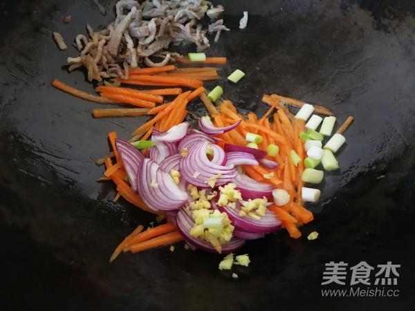 时蔬肉丝炒面的简单做法