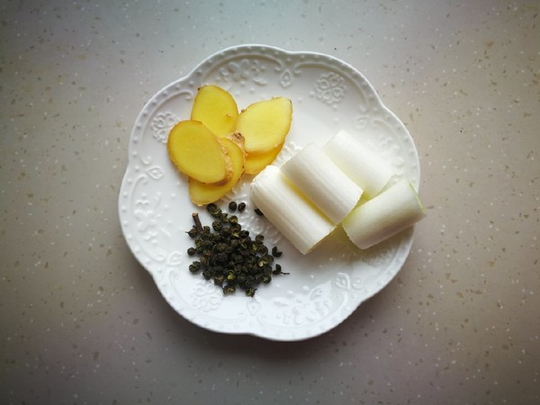 胡萝卜山药焖羊肉的简单做法