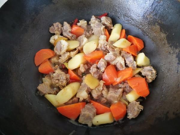 胡萝卜山药焖羊肉怎么煮